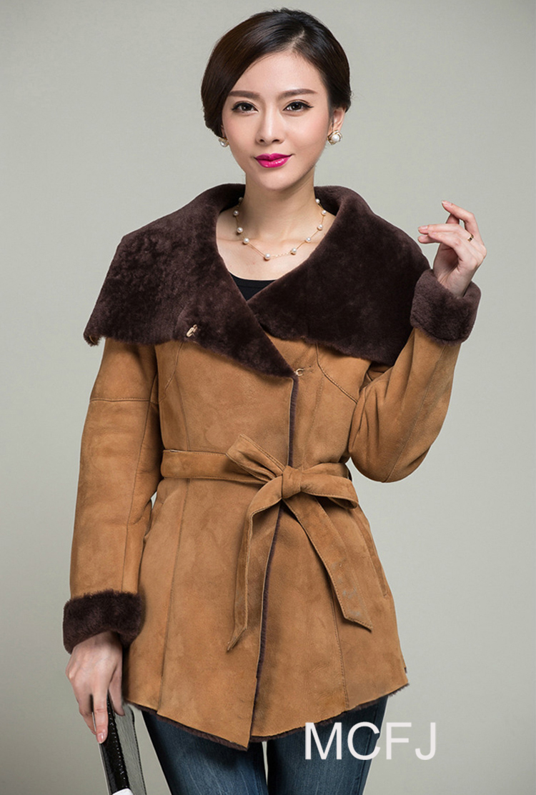 Hot Real Leather Coats 2015 new winter Merino sheepskin Fashion coat for woman Sheep Leather fur With Fur Inner Jackets MC29Одежда и ак�е��уары<br><br><br>Aliexpress