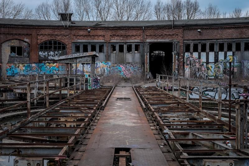 Canvas Prints Stretched Framed Fine Art Giclee Artwork For Wall Decor Trains Urban Abandoned Graffiti Building Train Build(China (Mainland))