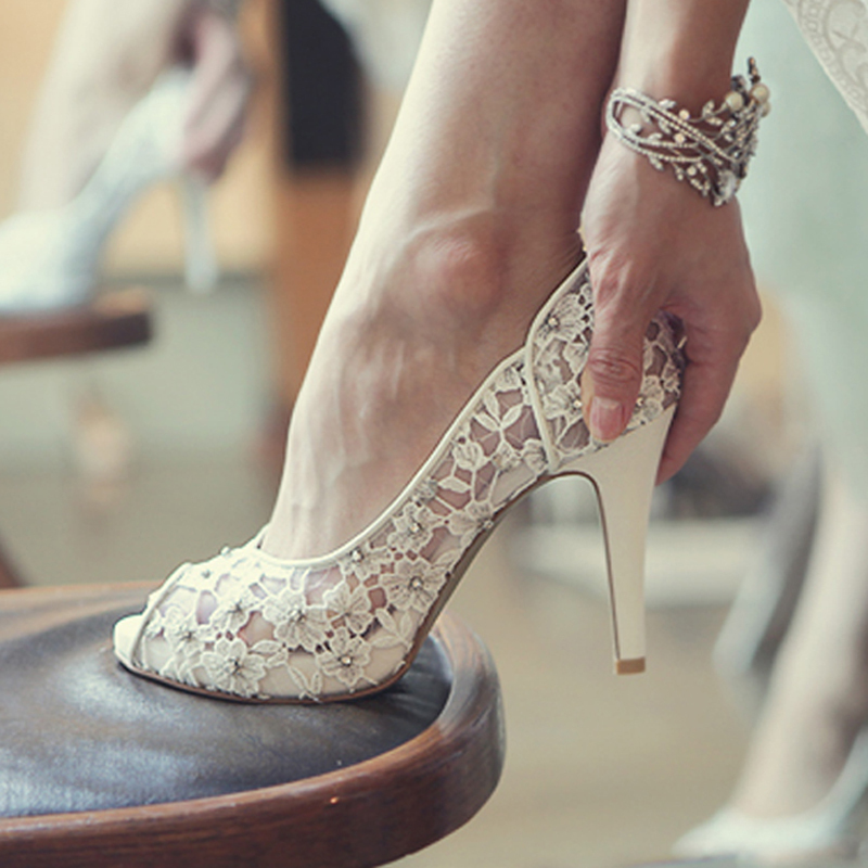 Bling Bling Flowers Wedding Shoes Pretty Stunning Heeled Bridal Dress Shoes Peep Toe White Lace Crystal Hand-crafted Prom Pumps<br><br>Aliexpress