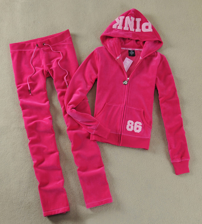 Whether you're feeling the chill or looking to chill, Hollister hoodies and sweatshirts for girls are a great go-to, complete with awesome graphics and stylish details and so many new colors like pink.