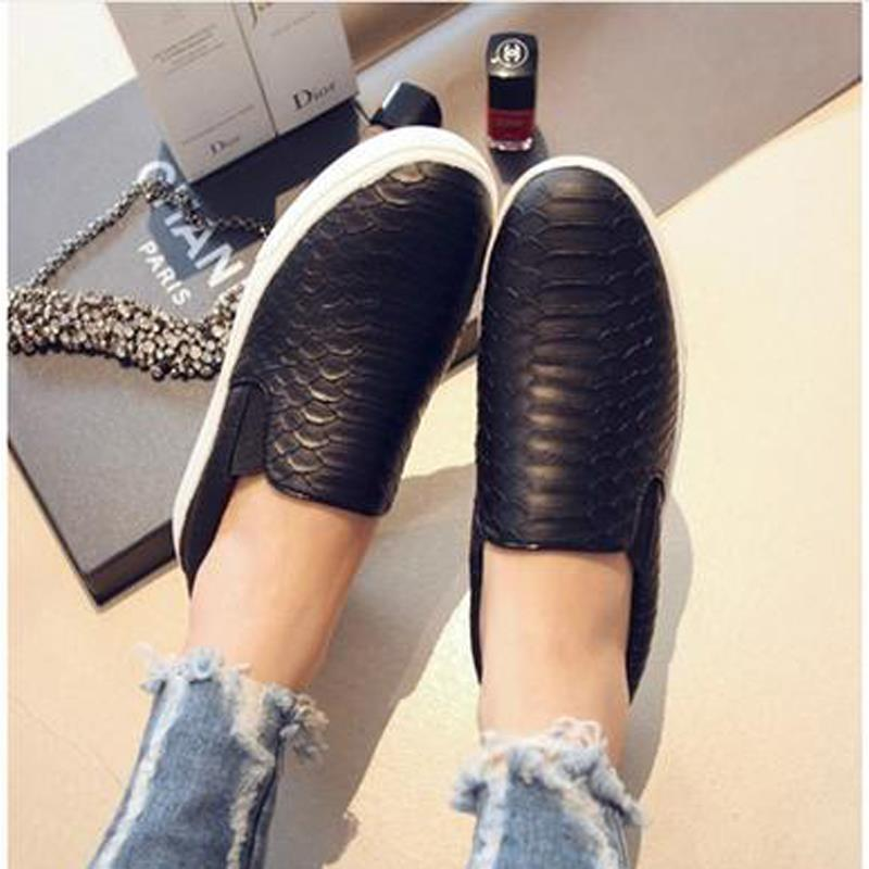 New 2015 Women Sneakers Women Shoes Brand Fashion Autumn Summer Casual Soft Snakeskin Slip On shoes Moccasins Loafers(China (Mainland))