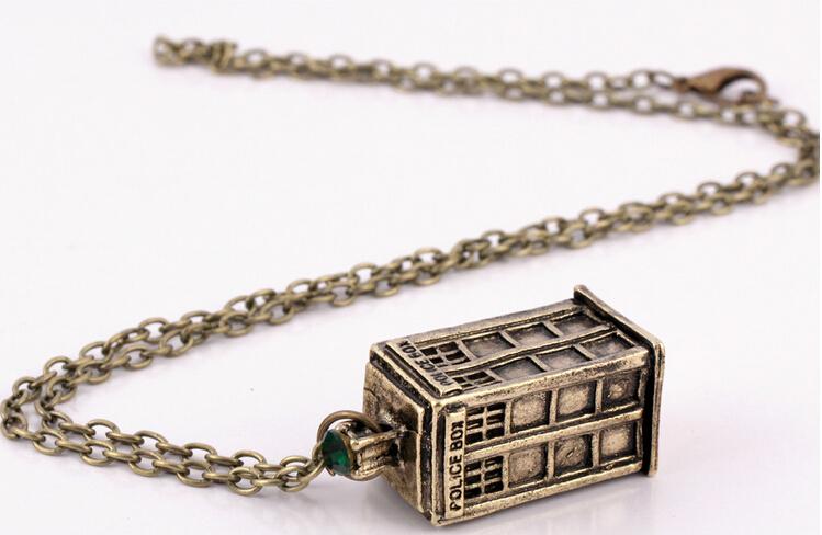 2015 Wholesale Creative Retro Silver Bronze Police Box Pendant Necklace Tardis Vintage Necklaces Pendant Women Men(China (Mainland))