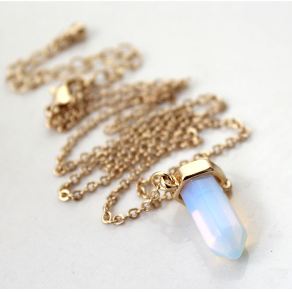 Europe and the former single accessories manufacturers selling opal green stone crystal short collarbone female necklace chain(China (Mainland))