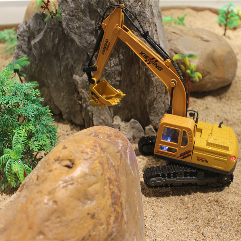 RC Truck Alloy 2.4G Crawler Excavator Remote Control Truck Clasps Car Engineer Vehicles With Light Music Simulation Toy 6830L(China (Mainland))