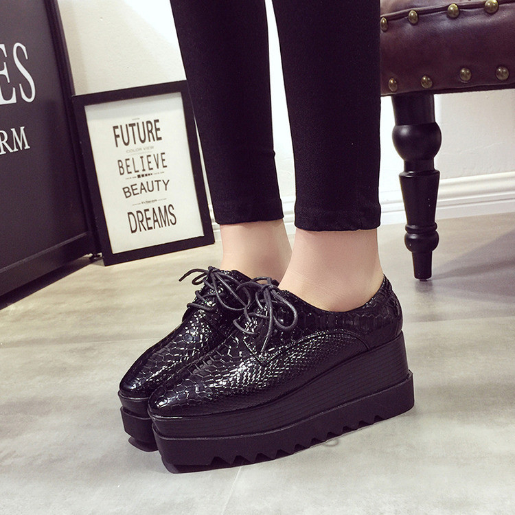 2016 VIntage Oxfords Shoes For Women Platform Lace Up Creepers Women's Oxfords Shoes Casual Ladies Flats Shoes Loafers Black