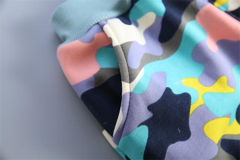 Скидки на Мода Camo девочка комплект одежды детей толстовки брюки сгущает зима теплая одежда Девушки парни устанавливает 2016 Зимой новое прибытие