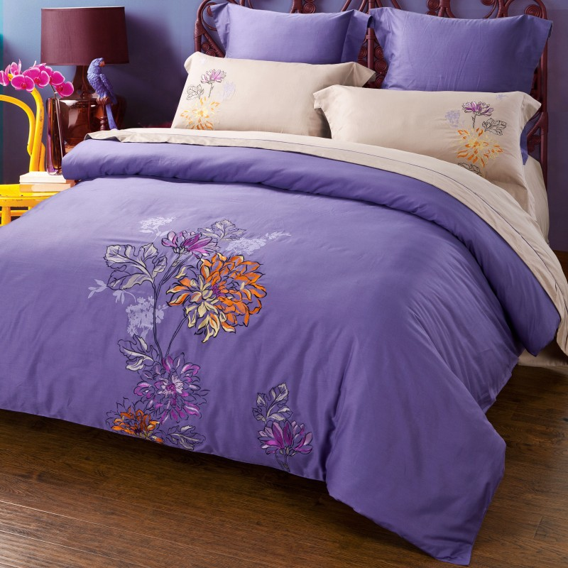 2015 bedding sets 100%Cotton embroidered flower design purple Duvet cover+Mattress cover+Pillow case queen king free shipping(China (Mainland))