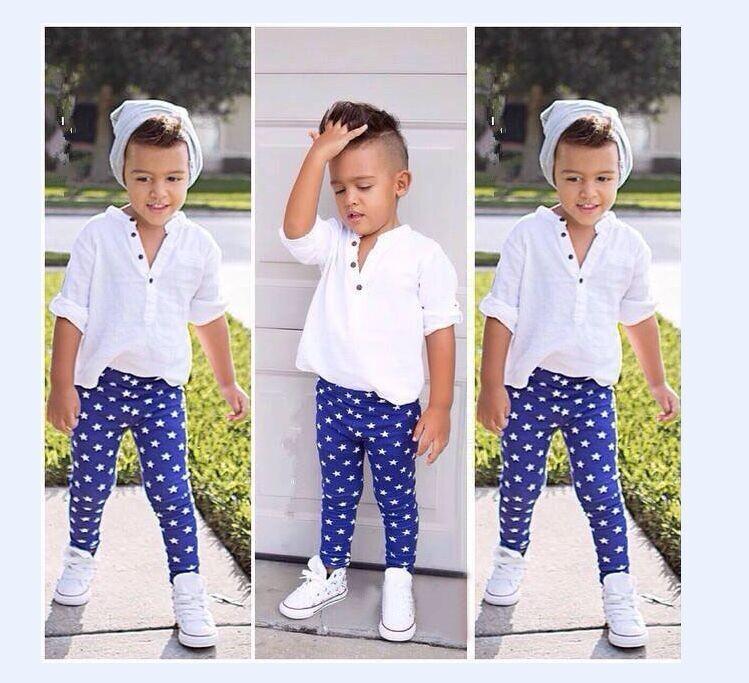 Лучшие розничные мальчики Мода Одежда наборы белой футболке + синяя точка брюки 2-костюм набор 2015 новые летние дети Повседневная одежда