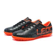 LEOCI Çim Futbol Ayakkabıları Erkekler TF Eğitim futbol kramponları Erkek Kapalı Futbol Ayakkabı Yılan Derisi Baskı boyutu 33-45(China)