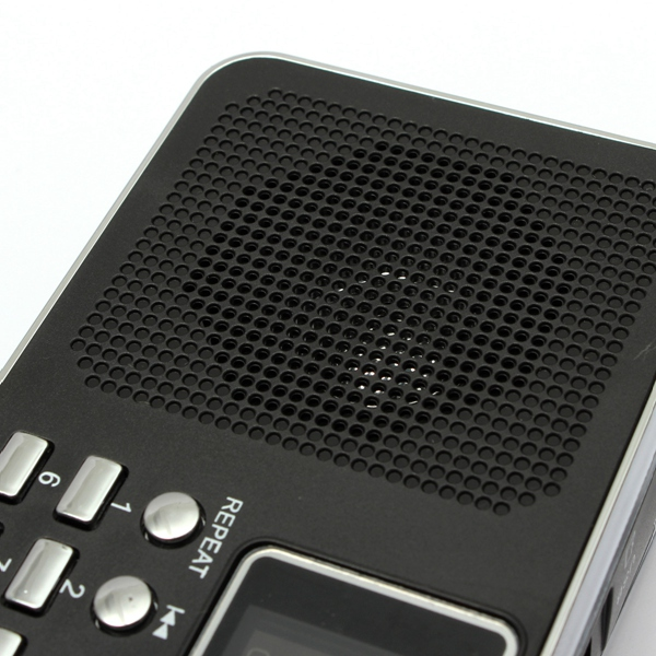 Excellent Quality Universal Home Stereo Speaker Mini Portable Radio TF Card Speaker FM Radio Digital Speaker