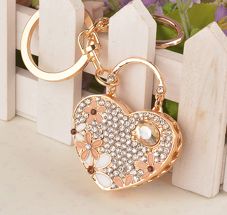 New Arrival Women Jewelry Accessories Crystal Heart Shape Flowers Pendant Keychain Alloy Gold Plated Keyrings Novelty Item(China (Mainland))