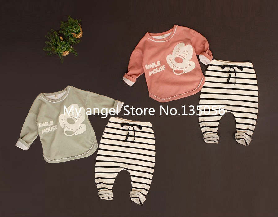 Retail 2016 New Summer style baby boy girl Minnie& mickey Sports fleece baby the spring and autumn period and the leisure suit(China (Mainland))