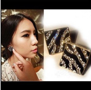 Summer Style 2015 New Fashion Square Imitation Diamond Gold Plated Drip Zebra Stud Earrings Fow Women (Black) XY-E351(China (Mainland))