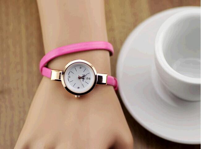 Цвет ремешка: Ярко-розовый