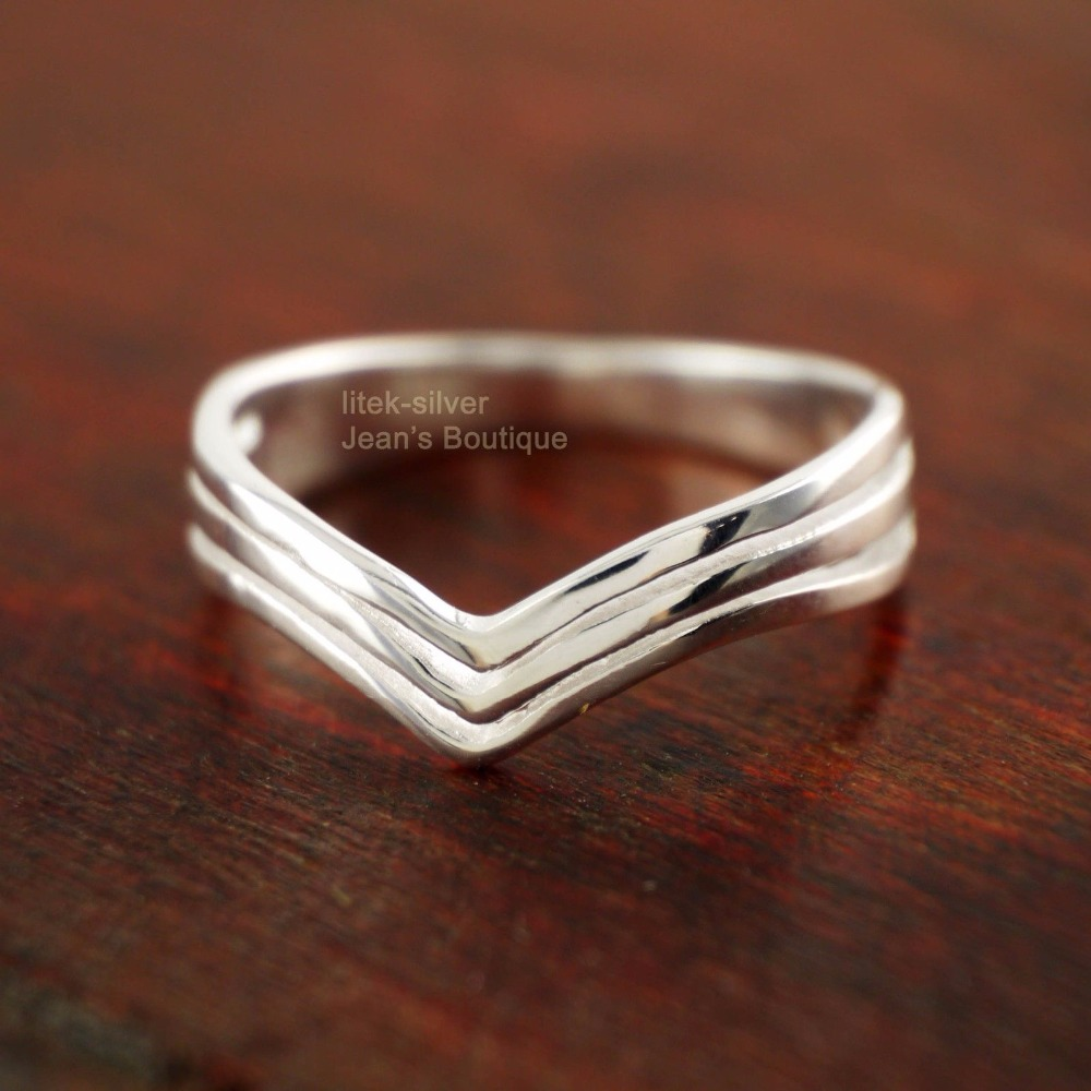 Wholesale 40% Off When Buying 5 - 925 Sterling Silver Simple Three Layers Chevron Midi Knuckle Pinkie Ring A3595(China (Mainland))