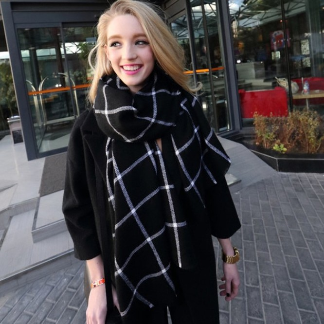 Plaid cape scarf large women's autumn and winter fashion all-match black and white plaid flash scarf(China (Mainland))