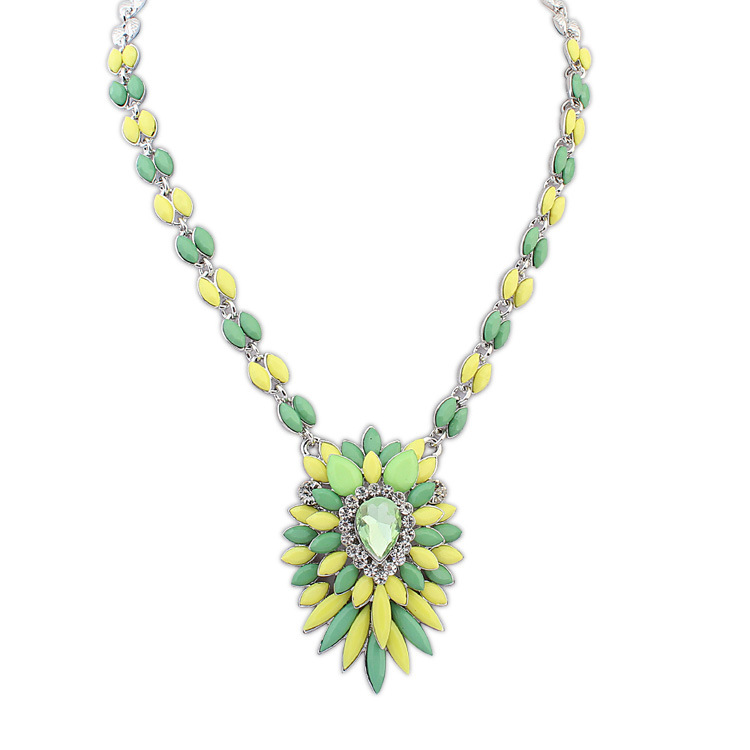 2015 Trendy Colar Pendant Necklace Jewelry Women Export New Xiangshi Europe Hit Color Popular Flower And Exaggerated Ornaments(China (Mainland))