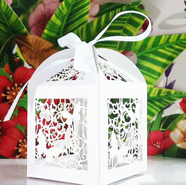 50pcs/lot folded paper butterflies favor boxes valentine Flower wedding party favors and gifts favor box in candy box party(China (Mainland))