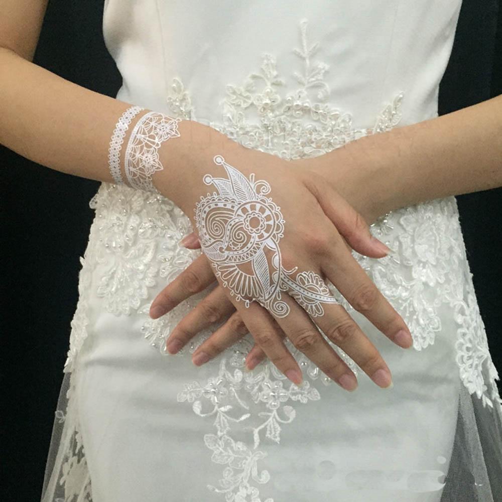 17 inspirasi henna putih yang akan buat momen pernikahanmu for White henna tattoo ink