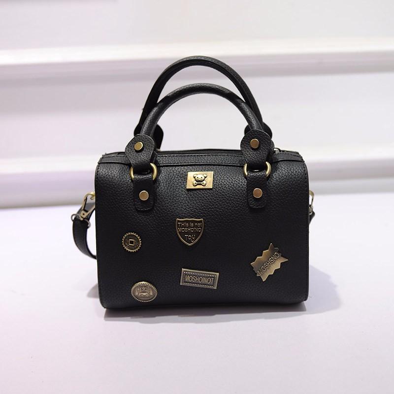 Luxury Boston Bag Ladies Cartoon Letters Metal Retro Shoulder Bag Designer Cheap Handbag Women Trendy Fashion Crossbody Bag