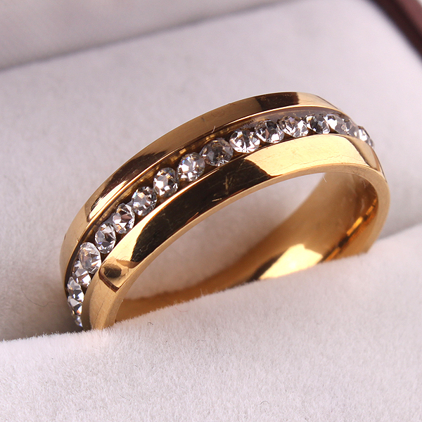 New Fashion Jewelry Golden Crystal Wedding Love Band Stainless Steel Rings for Women(China (Mainland))