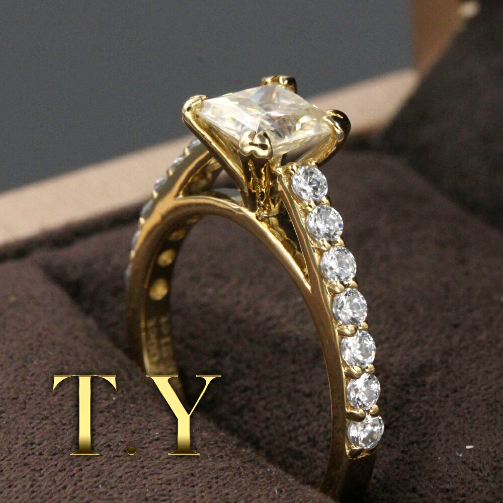 9K Yellow Gold Engagement Ring For Women 1CT Princess Cut Moissanites Ring Forever Classic Lab Grown Diamond Wedding Rings(China (Mainland))