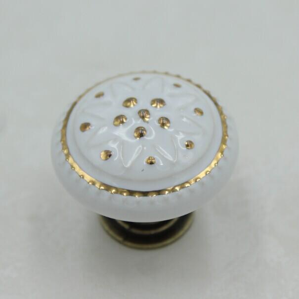35mm  Bronze Kichen Cabinet Knobs white Ceramic Drawer Pulls Bronze Zinc Alloy Dresser Wardrobe Handle Pulls Knobs TC47<br><br>Aliexpress