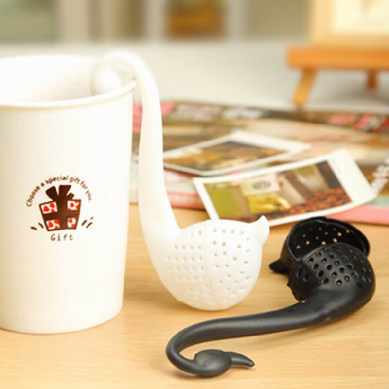 Free shipping New Nolvety Gift Swan Spoon Tea Strainer Infuser Teaspoon Filter Creative Plastic Tea Tools Kitchen Accessories(China (Mainland))