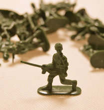 United States Soldier War Model Reminiscence Child Puzzle Toy  Free shipping(China (Mainland))