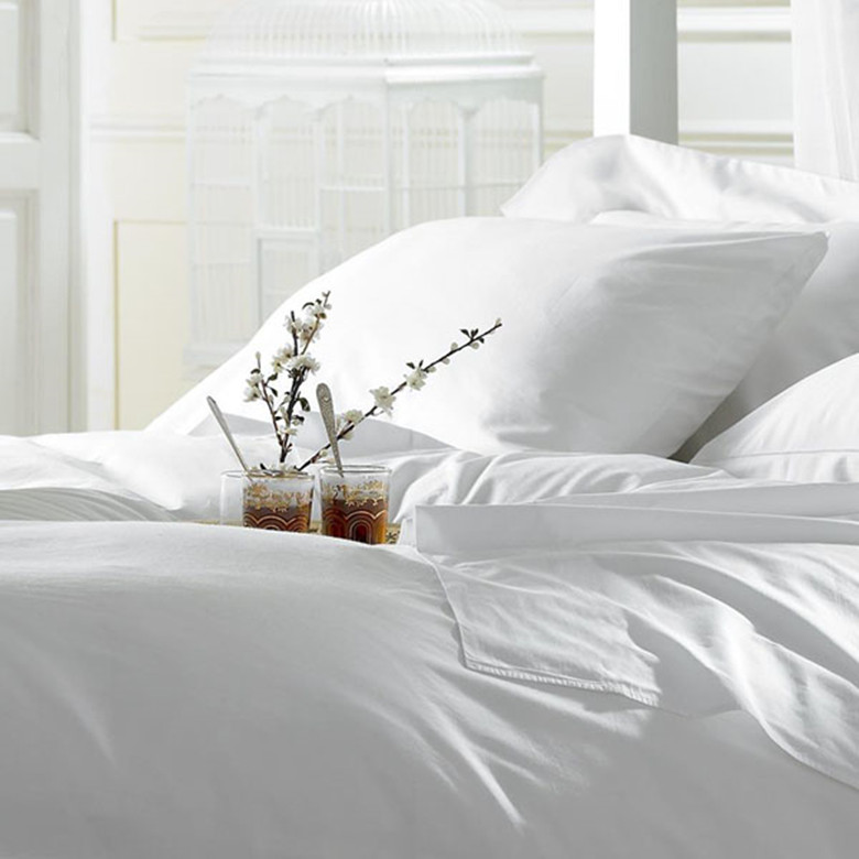 1000 Thread Count 100% Egyptian Cotton 4 pieces bedding set pure white Europ style comforter sets King Queen size customize(China (Mainland))