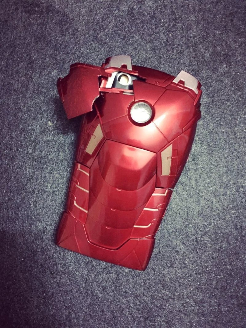 "Shell New Version 3D Cool Hero Avengers Iron Man Ironman Armor Led Flash Light Hard Case Cover For Apple iphone 6 4.7"" Phone(China (Mainland))"