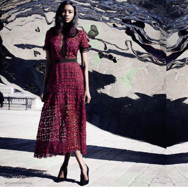Автопортрет 2016 красное вино симпатичные элегантный кружева длинные платья женщин