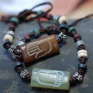 Lovers' Bracelets Retro Ancient Jade Carved Hand & Foot of Male & Female Tibetan Silver Wood Beads Amulets Couple Ethnic Jewelry(China (Mainland))
