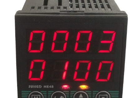 Фотография Intelligent dual preset counter with electronic control unit points conveyor equipment to check the number of devices