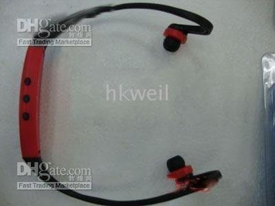 20pcs/lot buy one get one Newest design earphone for mp3 player sport mp3 player M339A 2GB