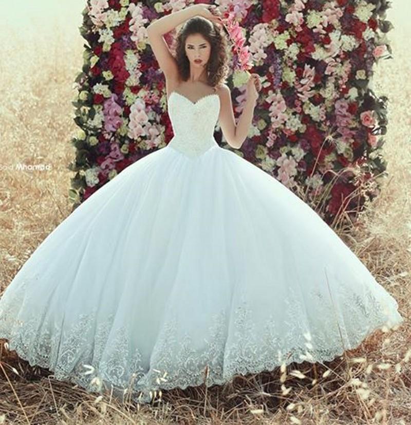 Images of Huge Wedding Dresses - Weddings Pro