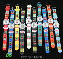 10 unids/lote ventas calientes de la alta calidad Thomas Tank Engine 3D Cartoon niñas niños niños niños estudiantes de cuarzo reloj de pulsera marca