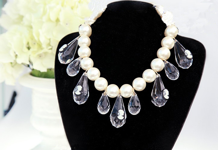 2014 new Europe Big White Pearl Chain Crystal Drop Tassels Carving Queens Choker Pendant Necklace for women wholesale 3pcs/lot<br><br>Aliexpress