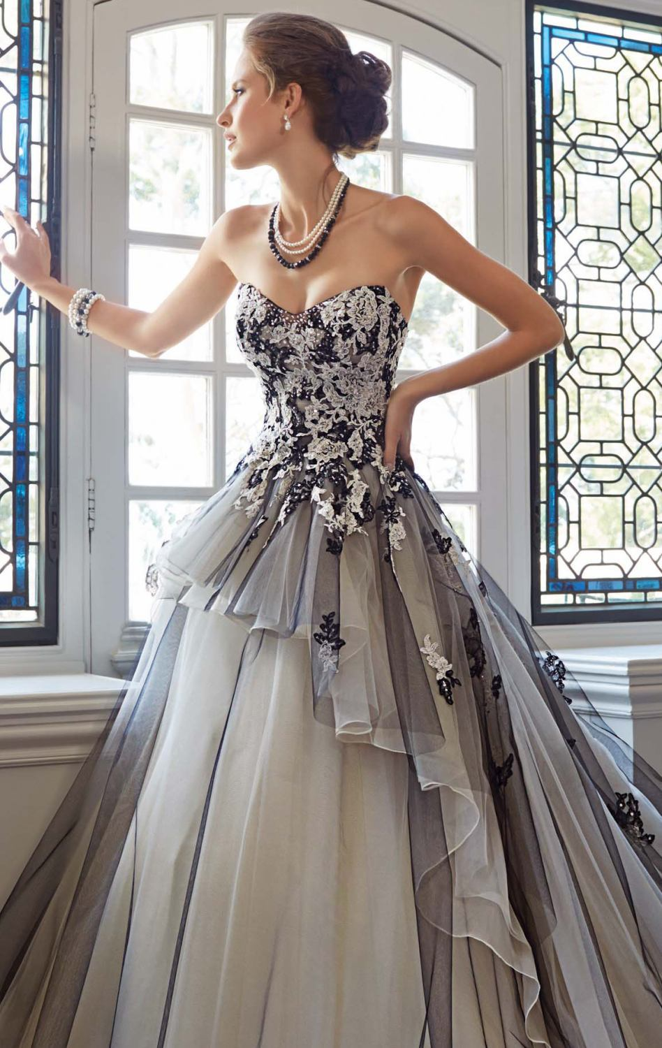 2015 New Formal White And Black Lace Ball Gown Elegant