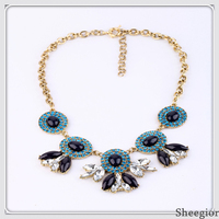 Exaggerated Luxury Crystal Chunky Statement necklace Rhinestone Bib Collar choker necklaces pendants Fashion Jewelry for women