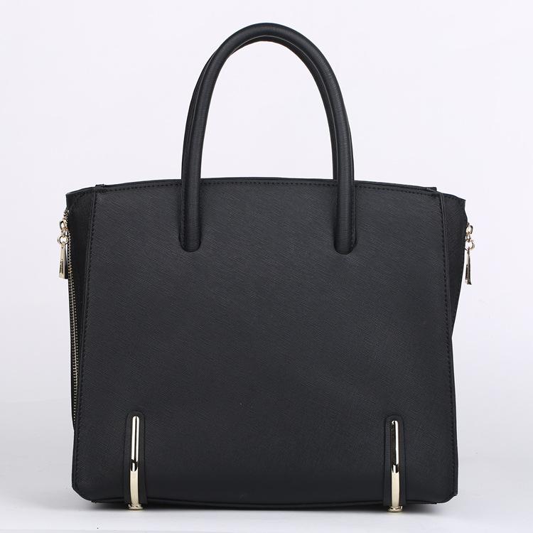 2015 Womens genuine leather handbags fashion cowhide female messenger bag New brand shoulder bag elegant simple portable bag<br><br>Aliexpress