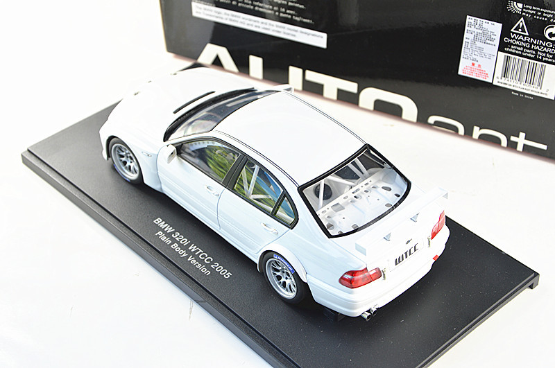 White Autoart 1/18 Automobile Mannequin for 1/18 320I E46 WTCC 2005 Race Sport Automobile Child Toys Mannequin Sizzling Promoting Alloy Brinquedos 80548