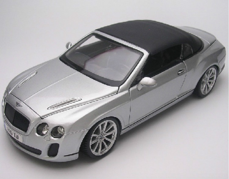 1:18 Classical Die cast Model Car Toy For High Level Sport Car Alloy Scale Model Toys Gift Car Styling Display Collection(China (Mainland))