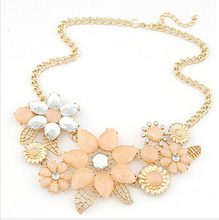 2015 New Fashionable Bright Flower Necklace Charm Rhinestone Necklace and Pendant gift Statement Necklaces Jewelry Wholesale(China (Mainland))