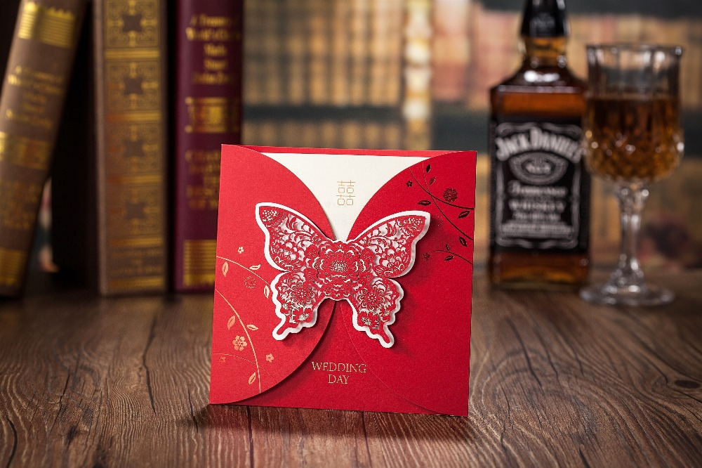 2015 50pcs/set free envelop and free seals Red Hollow butterfly Design Wedding Invitation card CW5037(China (Mainland))