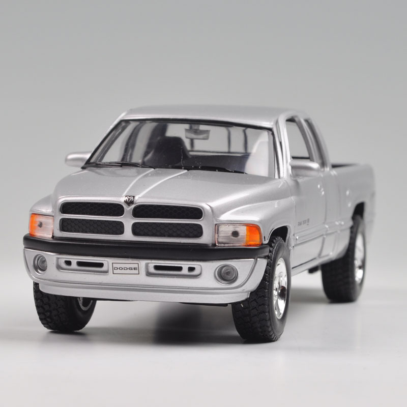 Brand New 1/24 Scale WELLY Car Model Toys DODGE Ram1500 Pickup Truck Diecast Metal Car Model Toy For Collection/Gift/Kids(China (Mainland))