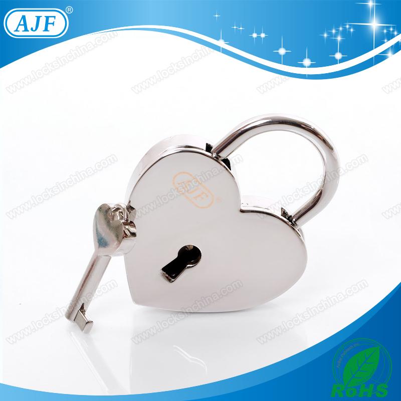 AJF Silver Heart shape padlocks with key for wedding decoration(China (Mainland))