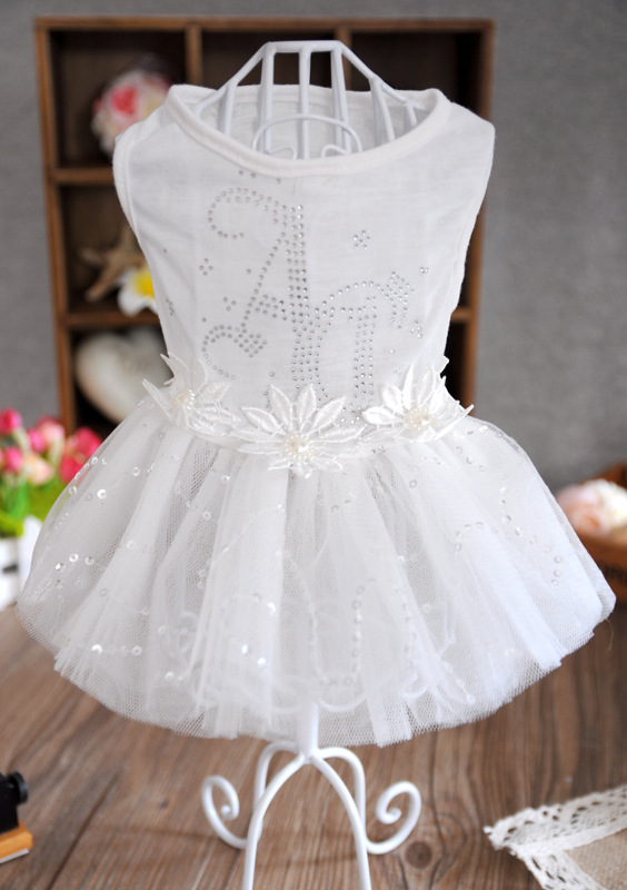 2015 New Luxury White Dog Puppy Party Wedding Dress Dog Princess Skirt With Rose Lace Pet Clothes Apparel XS S M L Free Shipping(China (Mainland))