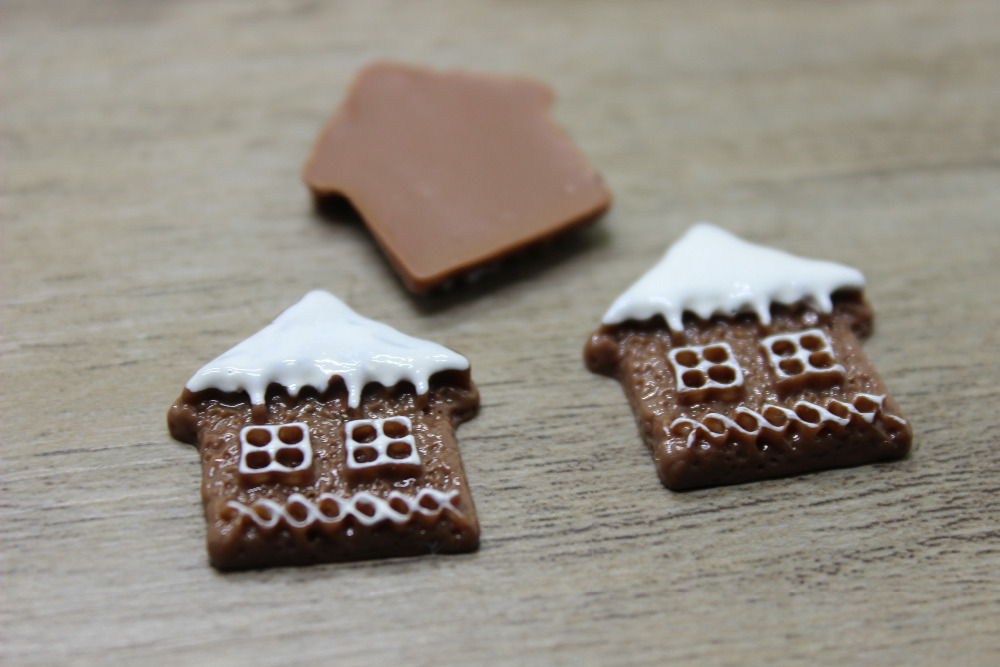 25pcs/ 23*25mm Resin christmas chocolate house shaped cookie for phone case decoration christmas deco accessories(China (Mainland))