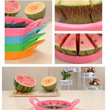 Kitchen Pratical Tools Accessories Creative Watermelon Slicer Clever Cutter Cantaloupe Stainless Steel Divider Random Color